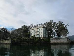 San Simon Island, Vigo Estuary
