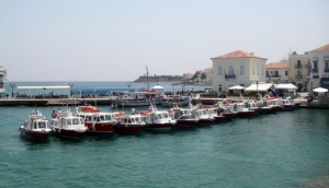 Hydra and Spetses at your footsteps