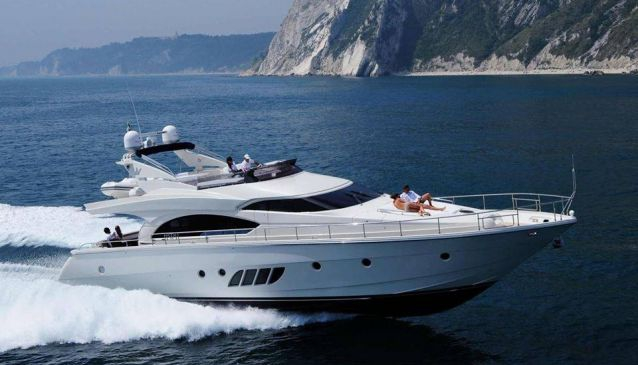 Holiday Yachts