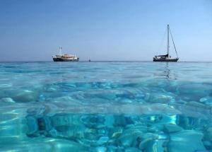 Aegean waters by Alonissos