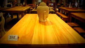 La Silla- Large wooden dining tables