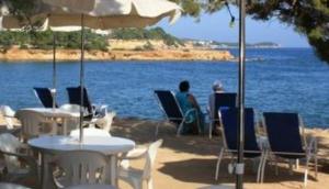 Mango's Beach Bar