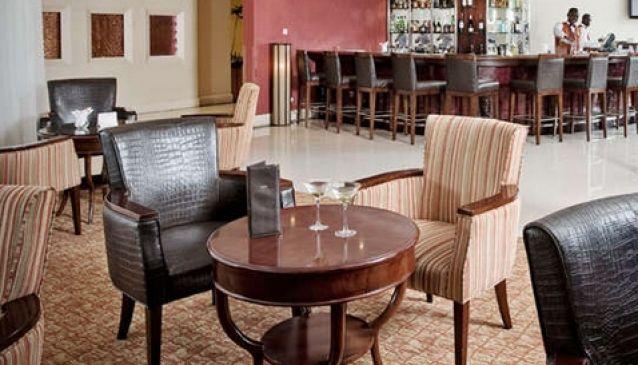 Babalu's Bar, Crowne Plaza