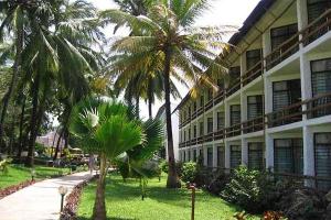 Travellers Beach Hotel