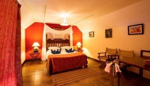 Zomeni Lion Hill Lodge, Tsavo