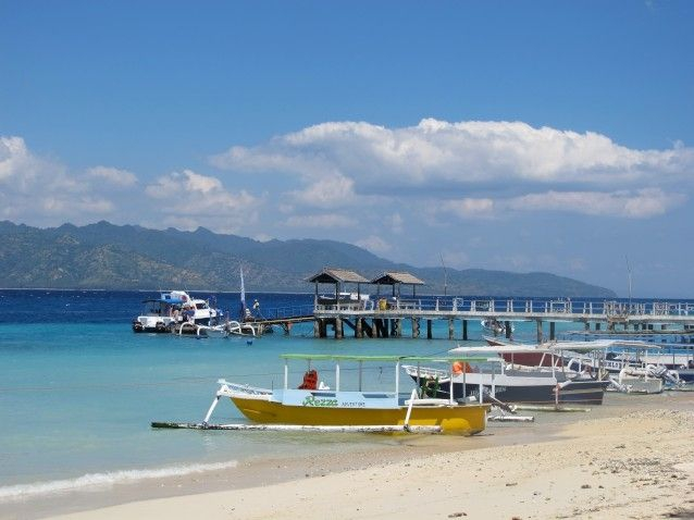 Arriving on Gili T by fastboat - photo by Robyn Junaedi