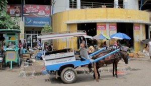 Kebon Roek Market