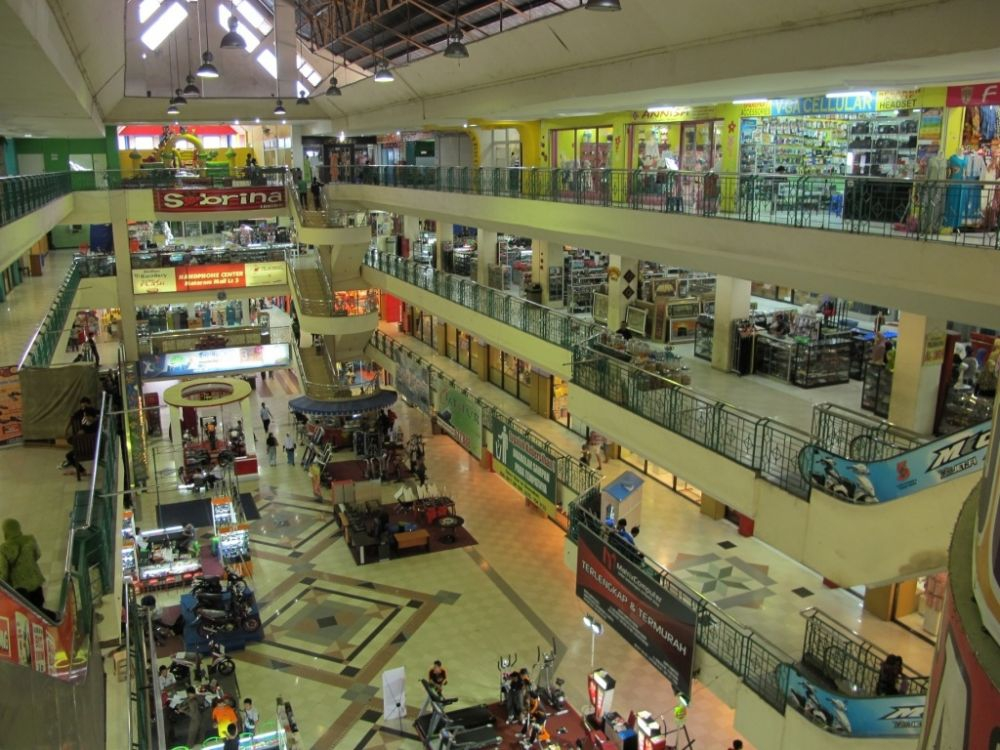 Mataram Mall 1 - Four floors of shops