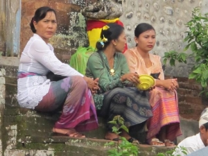 Balinese women at the Temple