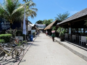 Central on Gili T