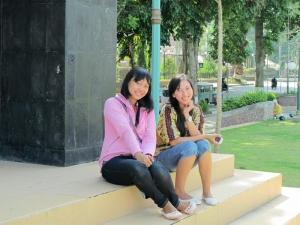 Ladies enjoying the Taman Sangkareang in Matram