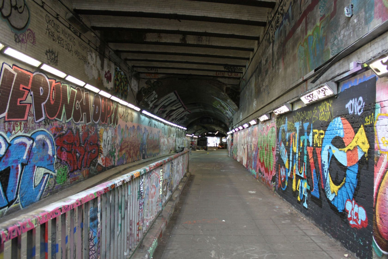 Old Vic graffiti tunnels (credit: Guy Arnold)