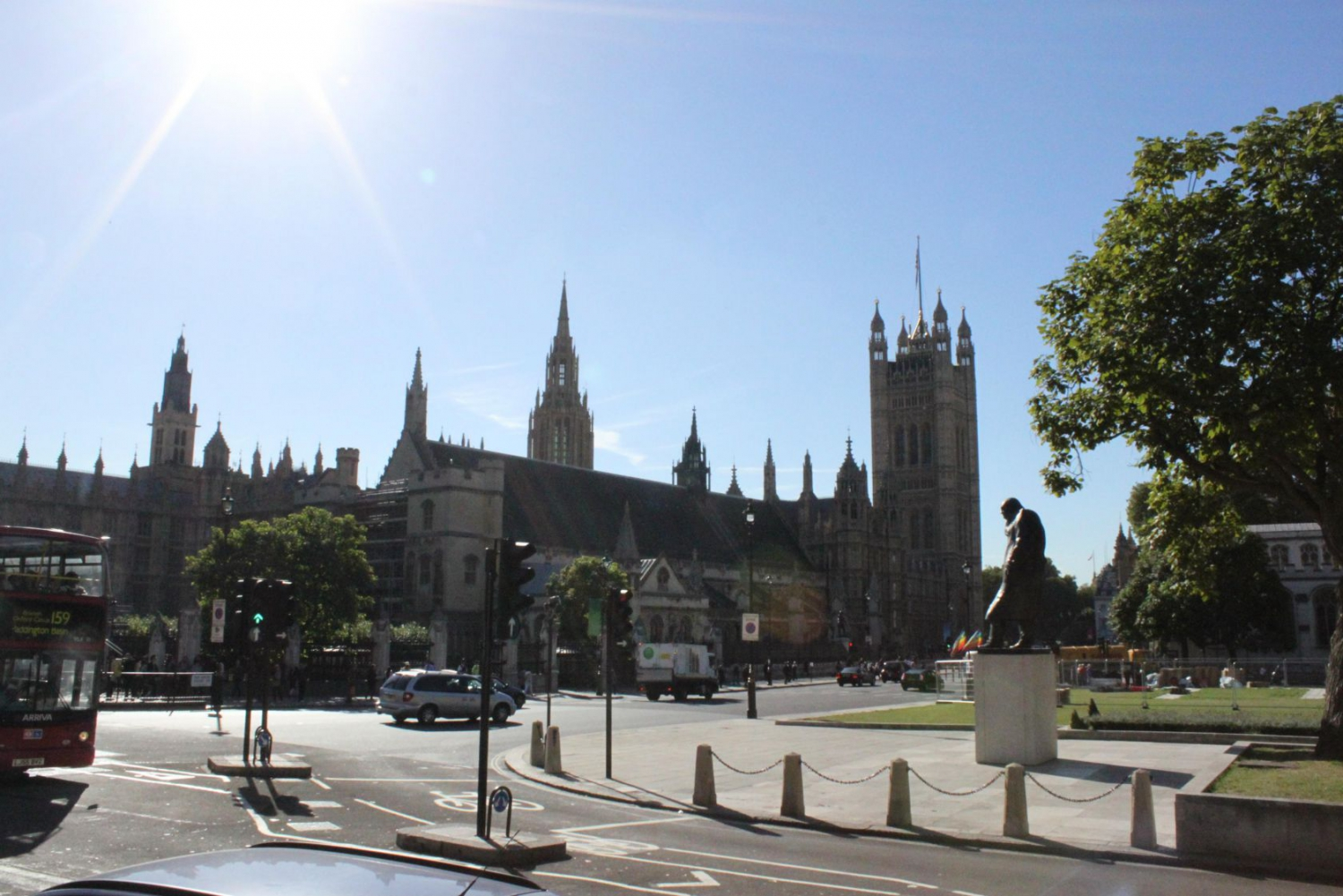 Churchill Statue & Parliament buildings