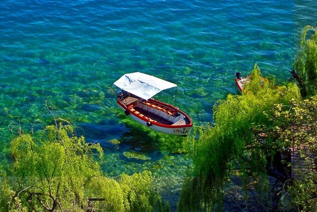 Boat at Ohrid Lake (photo by: I.Nikolovski ©)