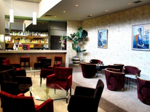 Hotel Bar, perfect for a cup of coffee or midnight drink!