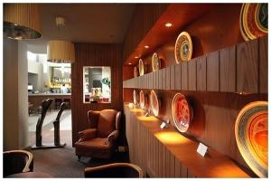 Bar Lounge Room