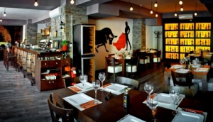 Azafran Bar-Restaurant Español