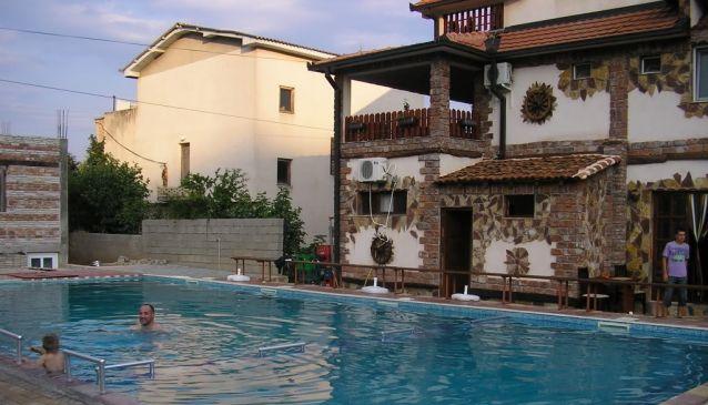 Dan Dar Apartments