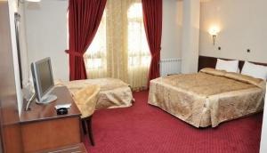 Hotel De Lago