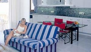 Hotel and Apartamentos Lemar