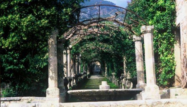 Jardines de alfabia in mallorca my guide mallorca for Jardines alfabia