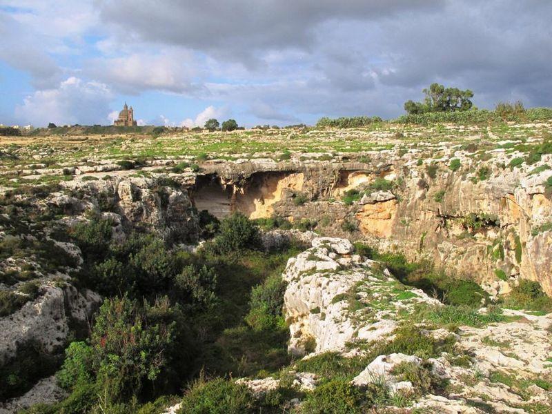Mgarr ix-Xini valley, Gozo