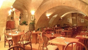 La Cave Wine Cellar and Pizzeria