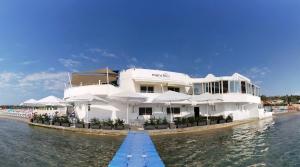 Munchies Mellieha Bay