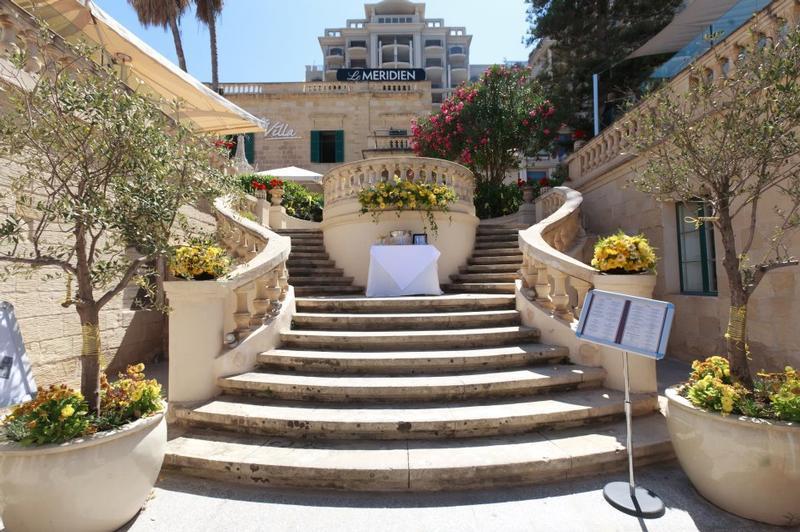 The Villa Restaurant In Malta My Guide Malta