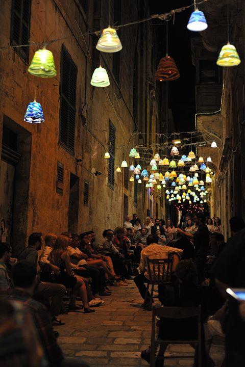 Violin and Piano waving through Strada Stretta
