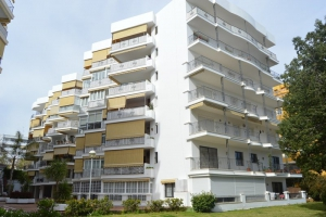 1 Bed Apartment for sale in Marbella - €215,000