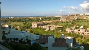 2 Bed Apartment for sale in Benahavis - €378,000