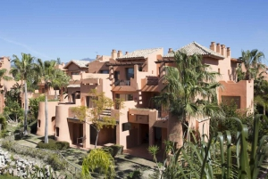 2 Bed Apartment for sale in Estepona - €215,000
