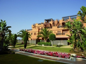 2 Bed Apartment for sale in Estepona - €239,000