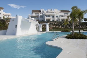2 Bed Apartment for sale in Estepona - €201,000