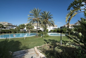 2 Bed Apartment for sale in Marbella - €233,000