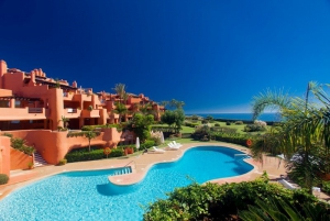 2 Bed Apartment for sale in Marbella - €895,000