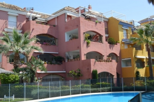 2 Bed Apartment for sale in Marbella - €550,000