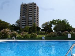 2 Bed Apartment for sale in Marbella - €136,000