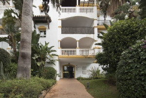 2 Bed Apartment for sale in Marbella - €247,000