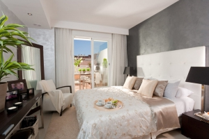 2 Bed Apartment for sale in Marbella - €241,000