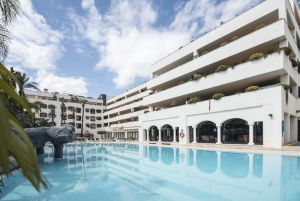 2 Bed Apartment for sale in Marbella - €650,000