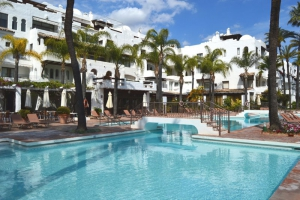 2 Bed Apartment for sale in Marbella - €475,000