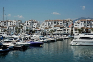 2 Bed Apartment for sale in Marbella - €560,000