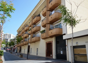 2 Bed Apartment for sale in Marbella - €490,000