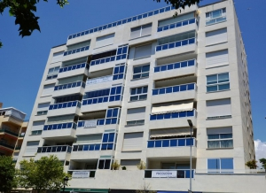 3 Bed Apartment for sale in Marbella - €400,000