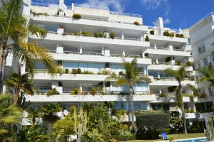 3 Bed Apartment for sale in Marbella - €750,000