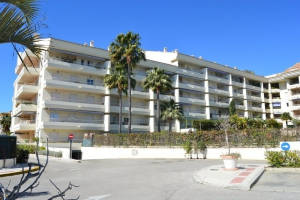 3 Bed Apartment for sale in Marbella - €285,000
