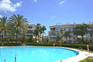 3 Bed Apartment for sale in Marbella - €545,000