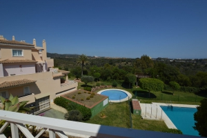 3 Bed Apartment for sale in Marbella - €399,000